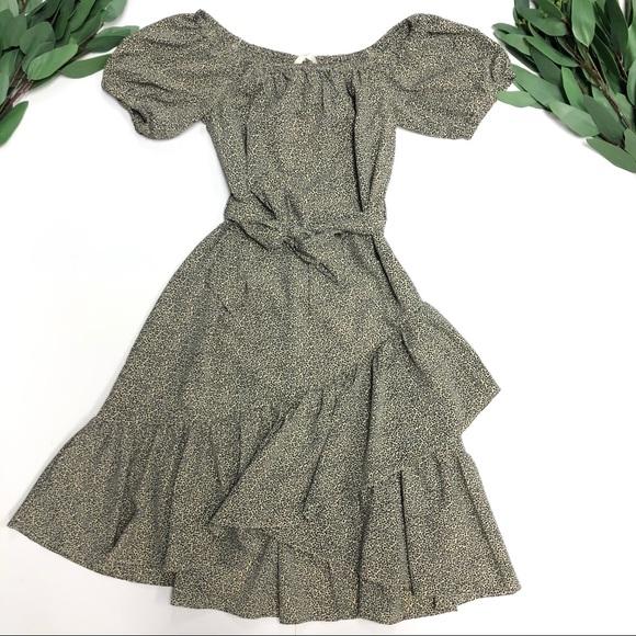 H&M Dresses & Skirts - H&M || NWT Off Shoulder Crépe Dress